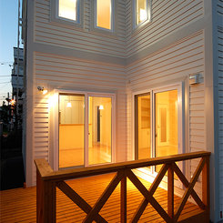 小屋裏収納のあるカナディアンスタイルの家